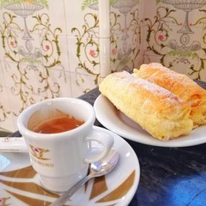 Sintra tour pastry travesseiros